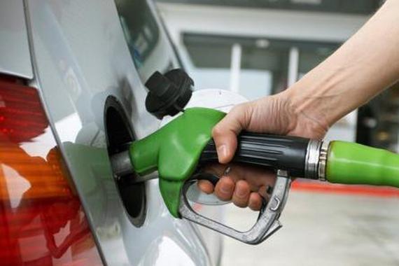 """本周五油价或迎""""四连涨"""" 预计92号汽油每升上调0.15元"""