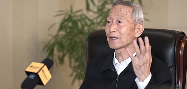 """70人献礼70年:话""""神探""""崔道植——中国首席弹痕专家"""