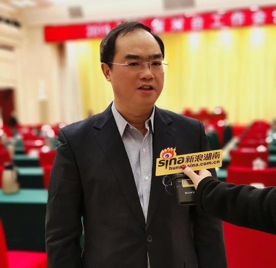 中共湖南省委台办主任肖祥清接受新浪湖南采访。