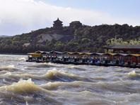 """北京迎来大风天气 颐和园昆明湖""""波涛汹涌""""场面壮观"""