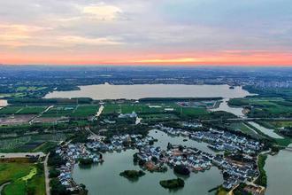 江南传统村落的静谧清晨