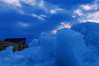 湖天一色 冰排涌动兴凯湖