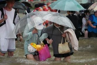 【图刊】郑州暴雨48小时