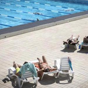 """公共泳池必须允许女性""""裸泳""""!西班牙政府下令"""