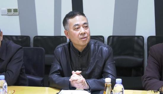 崔建聪:中国新闻出版书法家协会副主席