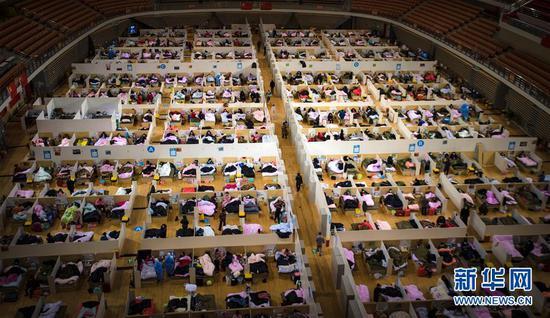 这是2月17日拍摄的武汉体育中央方舱医院。 记华社新者我们。 肖艺九 摄
