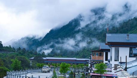 探訪西藏自治區邊境小鎮 這里也有江南風光