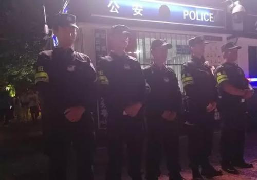 当地警务人员的工作是这样的——