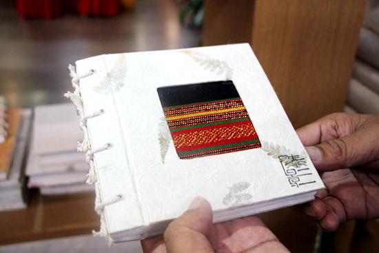 芒团纸制作的特色产品