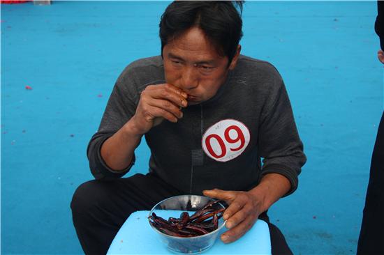 云南办吃辣椒比赛 - 点击图片进入下一页