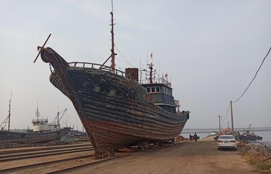 大连海事法院成功执结一起扣船拍卖案件