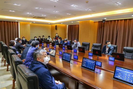 数字审委会会议室