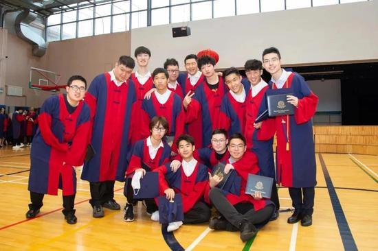 大连美国国际学校&华美英语学校2020届毕业典礼顺利举行