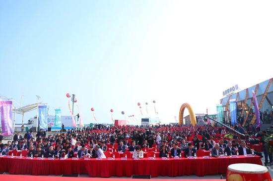 大连市皮口辽参小镇鑫玉龙第九届辽参捕捞文化节正式开幕
