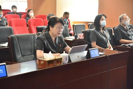 党组书记、院长邓妍做经验介绍