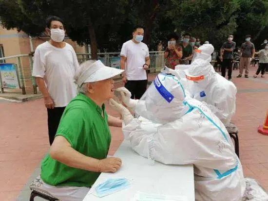 抗疫一线医护人员、党员、志愿者:战疫有我 不胜不退