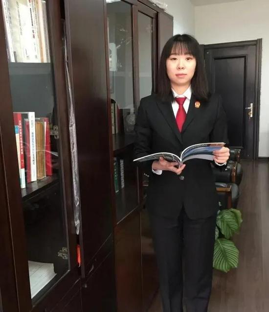 王正宇,长海法庭四级高级法官