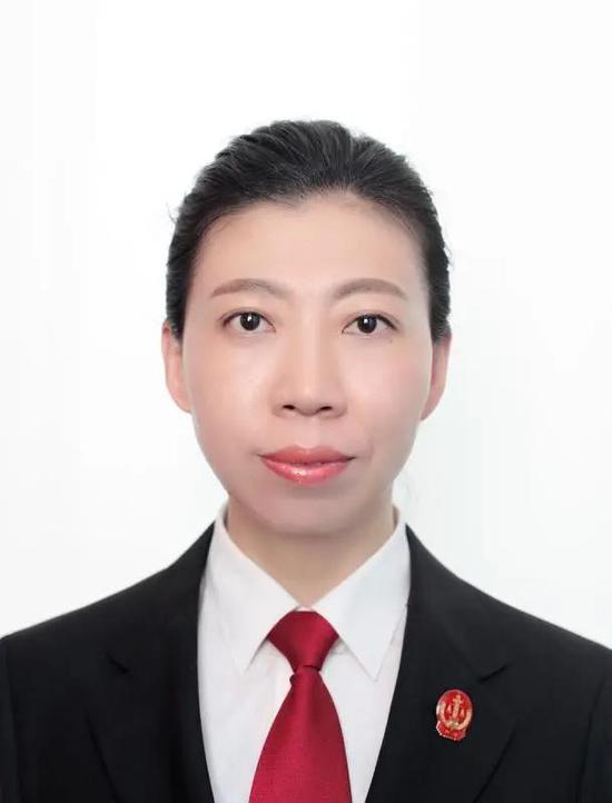 王 蕾,东港法庭四级高级法官
