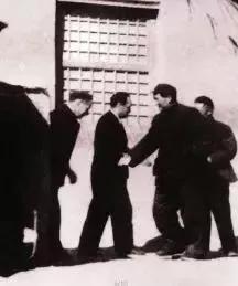 1949年1月31日,毛泽东在西柏坡接见苏共代表。