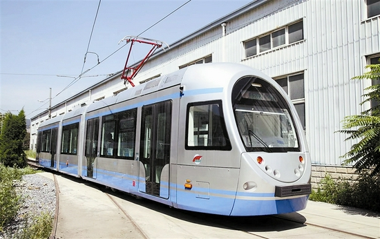 9月26日起 全新的100%低地板现代有轨电车将在202路进行空载试
