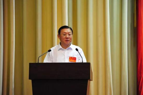 副市长郝明主持开幕式