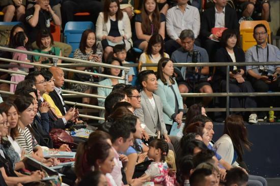 刘德华显身女儿幼儿园毕业礼