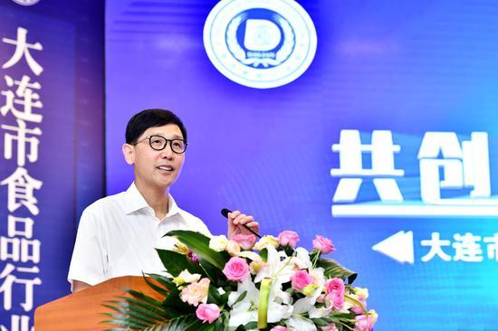 大连市政协副主席、市工商联主席刘刚致辞