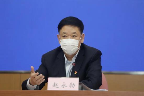 大连市新冠肺炎疫情防控指挥部医疗救治组成员、大连市发展改革委主任赵永勃