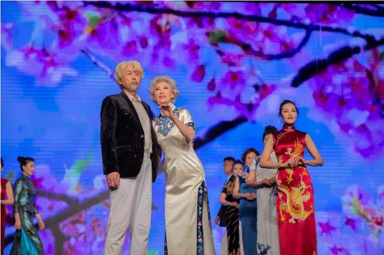 2020中国中老年时装周完美落幕 国风主题展示本土原创品牌
