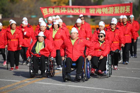 第19届中国大连国际冬泳节在大连金石滩黄金海岸成功举行