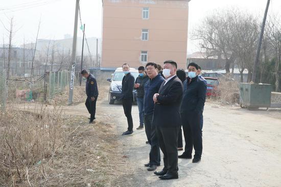 学党史 办实事 华鑫社区开展全域环境综合整治