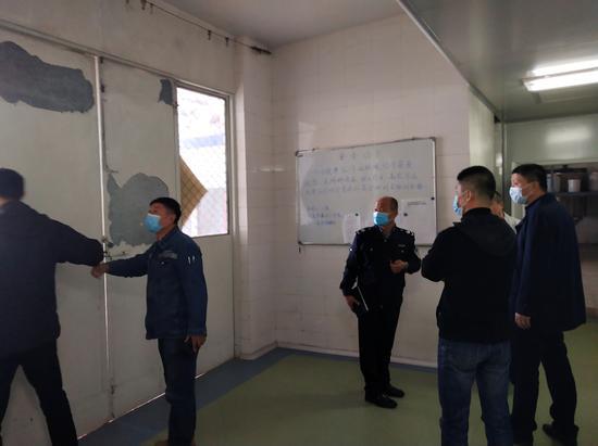 辛寨子街道開展小化工企業安全生產專項整治行動