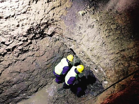 解放路自来水地下管网改造预计12月上旬完工