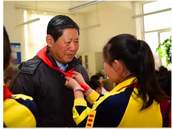 東北路小學關工委副主任馬玉璞:一片丹心向陽開