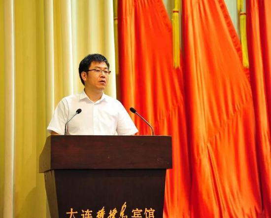 团市委书记张延松代表群团组织致贺词