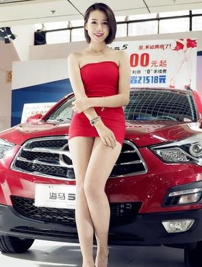 2016大连国际车展车模抢镜