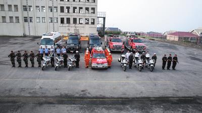 公安机关多警种出击参与达沃斯安保。