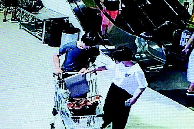 女子笔记本电脑落在购物车里被拿走