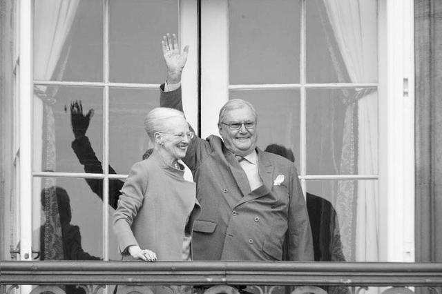 丹麦女王丈夫不满亲王头衔 拒绝死后夫妻合葬