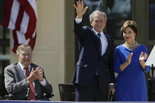 布什父子罕见发声明 公开谴责弗州暴乱种族主义