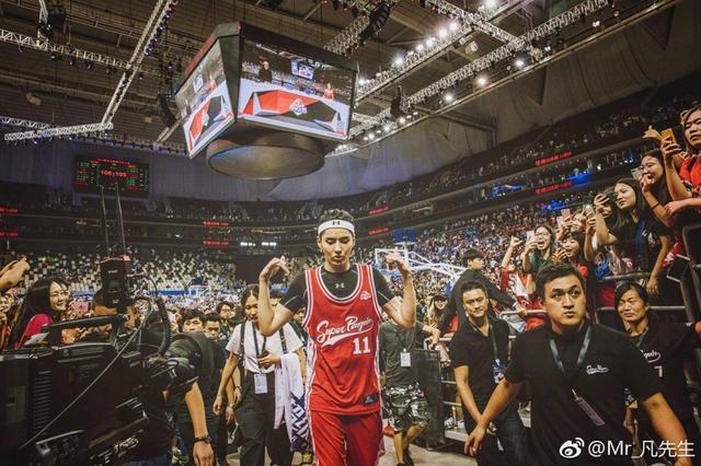 吴亦凡参加篮球名人赛堪比NBA巨星