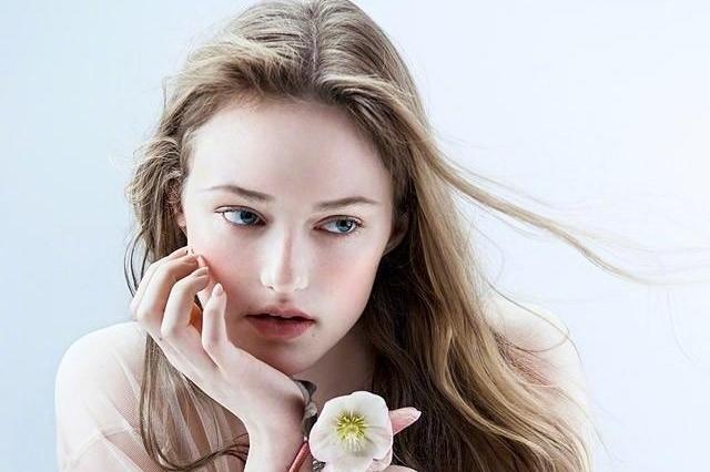 清新自然时尚美妆 人面桃花相映红