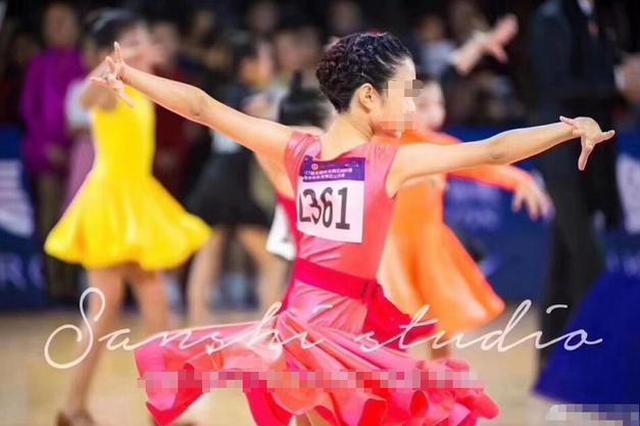 虎妈无犬女!马伊琍9岁女儿爱马舞蹈比赛夺冠