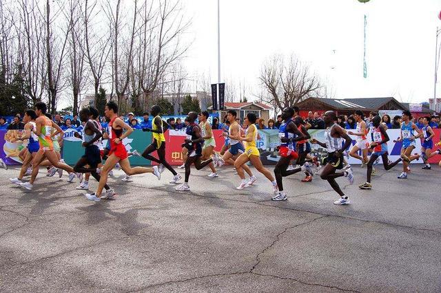 大连国际马拉松赛当日道路临时交通管制