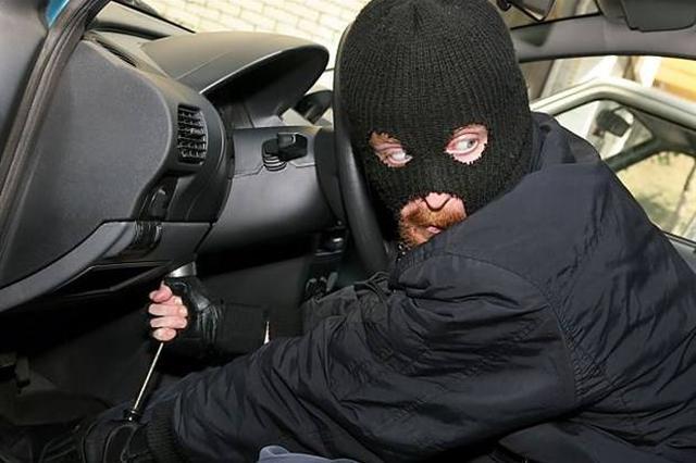 男子刚从监狱出来就去偷车