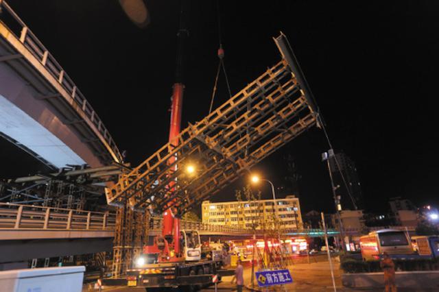 桃源桥B匝道已经开始拆除
