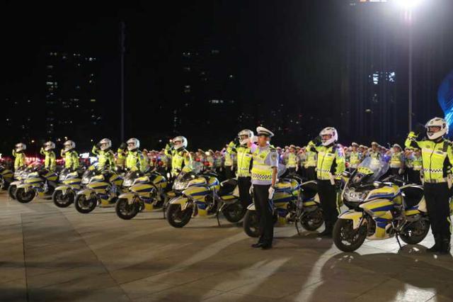 大连警方举行城市交通整治百日行动启动仪式