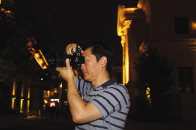 中国摄协主席李舸大连采风盯住旅顺东港