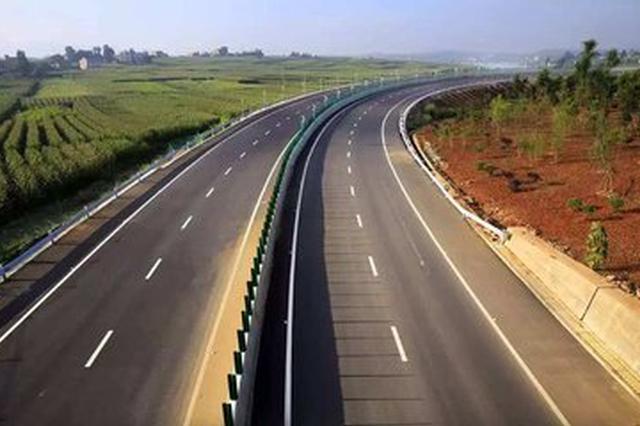 交警部门严查高速公路和农村道路交通违法行为