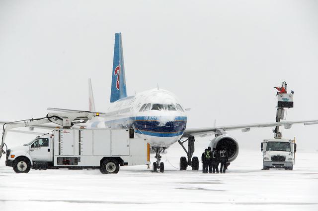 大雪突袭大连 南航大连全力保障旅客出行